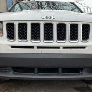 Бампер передний Jeep Compass 2011-2016 белый USA (Америка)