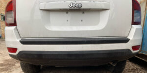 Бампер задний Jeep Compass 2011-16 белый