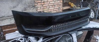 Бампер передний Volkswagen Passat B7 чёрный в сборе