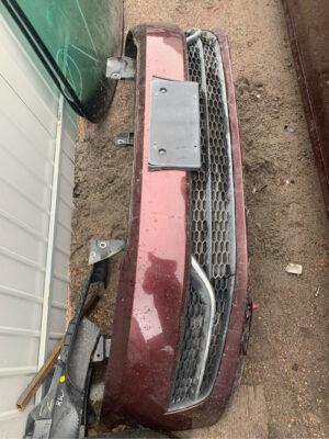 Передний бампер Volkswagen Passat B7 вишневый