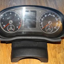 Панель приборов (щиток) VW Passat B7 USA 10-14 561920960B