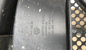 Водосток лобового стекла левый VW Passat B7 USA 10-14 561819403A