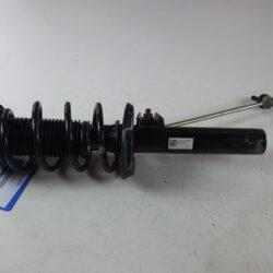 Амортизатор передний правый Пассат B7 2010-14 8J0413031M