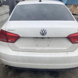Крышка багажника Volkswagen Passat B7 белая