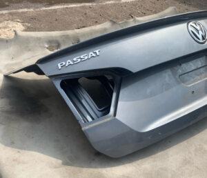 Крышка багажника Volkswagen Passat b7 SEL серая