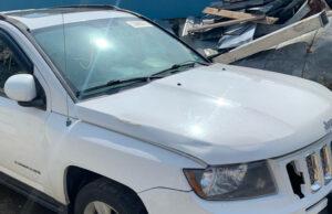 Капот Jeep Compass 2010-17 белый с дефектом
