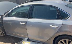 Двери задняя левая водительская Volkswagen Passat B7 серебро