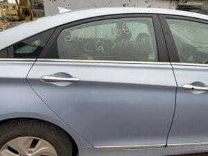 Задняя правая дверь Hyundai Sonata YF гибрид 2010-15 голубая