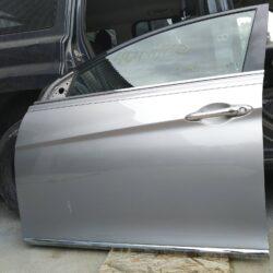 Дверь передняя левая водительская Hyundai Sonata YF hybrid 2010-15 серебро