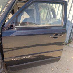 Двери перед левая водительская Jeep Patriot 2011-17 PAR 65K миль
