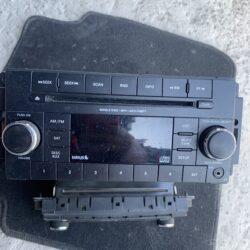 Б/у Магнитофон радио Jeep Patriot 11-17 P05091163AC