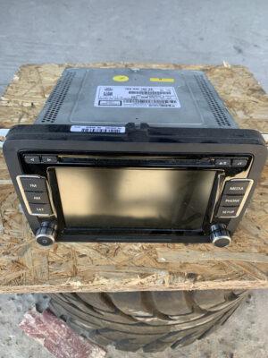 Монитор магнитола Volkswagen Passat B7 2010-16 1K0 035 180 AE